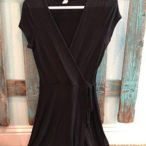 Black tie front flowy dress!